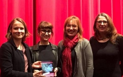 Gewinnerfilm 2018 1000 ARTEN REGEN ZU BESCHREIBEN - Regisseurin Isa Prahl und Produzentin Melanie Andernach